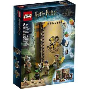 LEGO-76384_01_01-LEGO®-HARRY-POTTER---MOMENTOS-EM-HOGWARTS--AULA-DE-HERBOLOGIA-76384